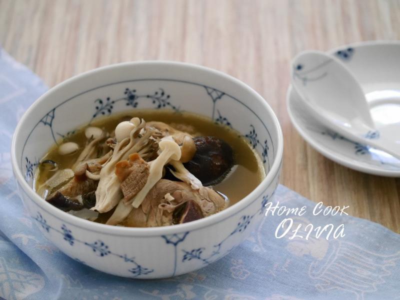 小廚娘❤牛肝菌百菇雞湯#電鍋