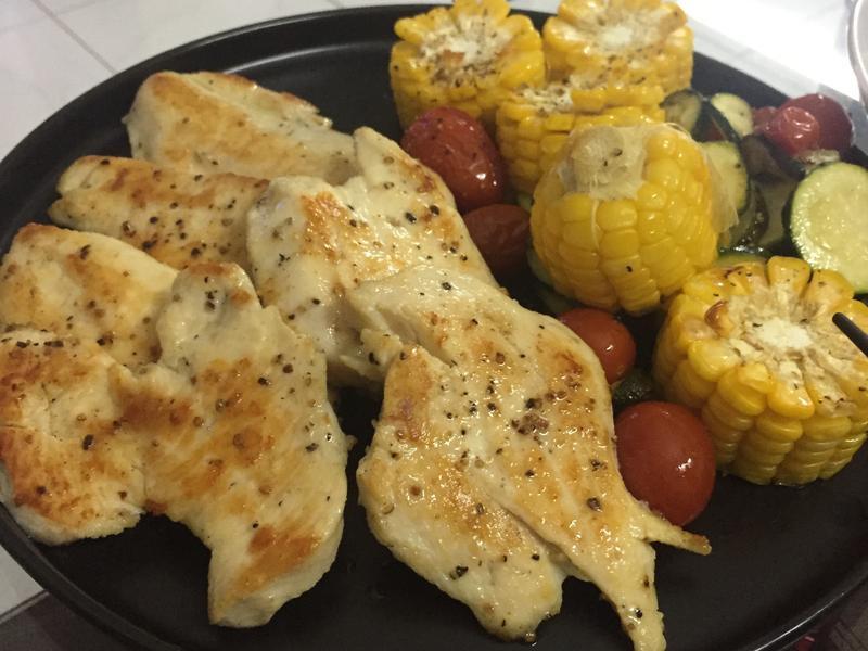 軟嫩雞胸肉佐烤蔬菜《健身、增肌必備》