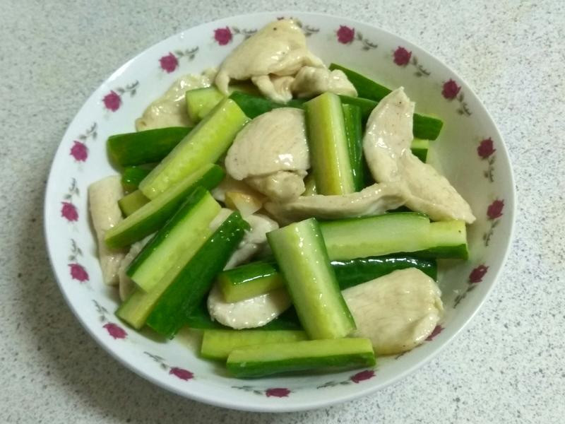 黃瓜炒嫩雞胸