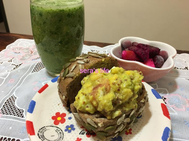酪梨三明治+蔬果汁_早餐組合