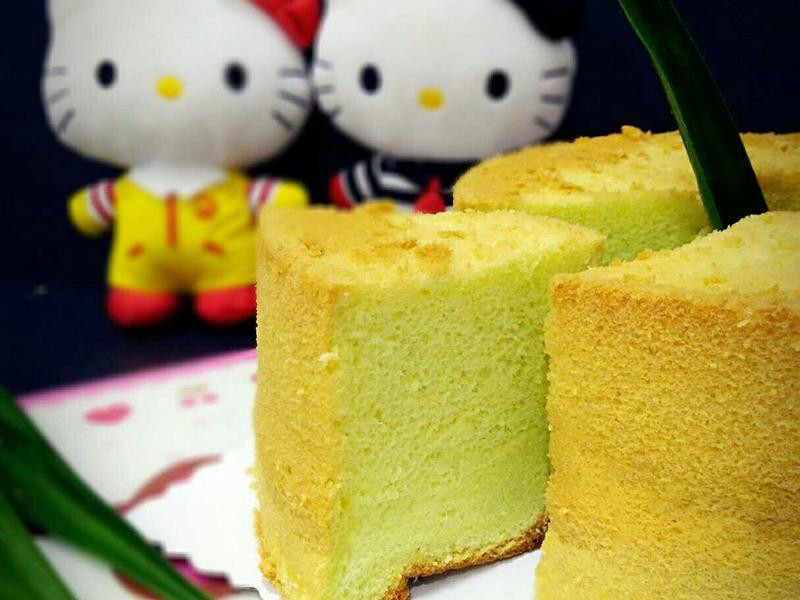 班兰椰浆戚风蛋糕(又名绿蛋糕)