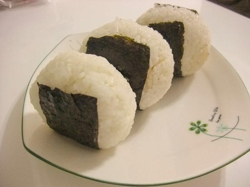 【小雨食堂】美乃滋鮪魚飯糰