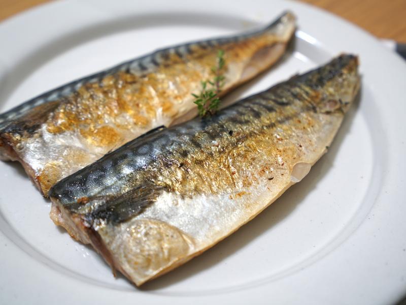 百里香煎鯖魚