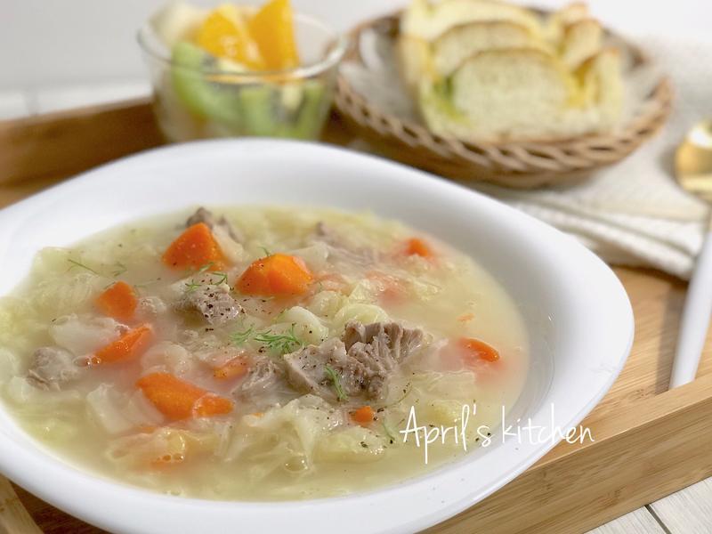 高麗菜排骨濃湯