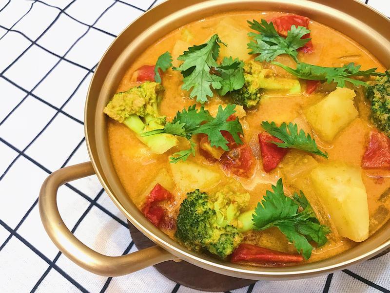泰式椰汁黃咖哩魚
