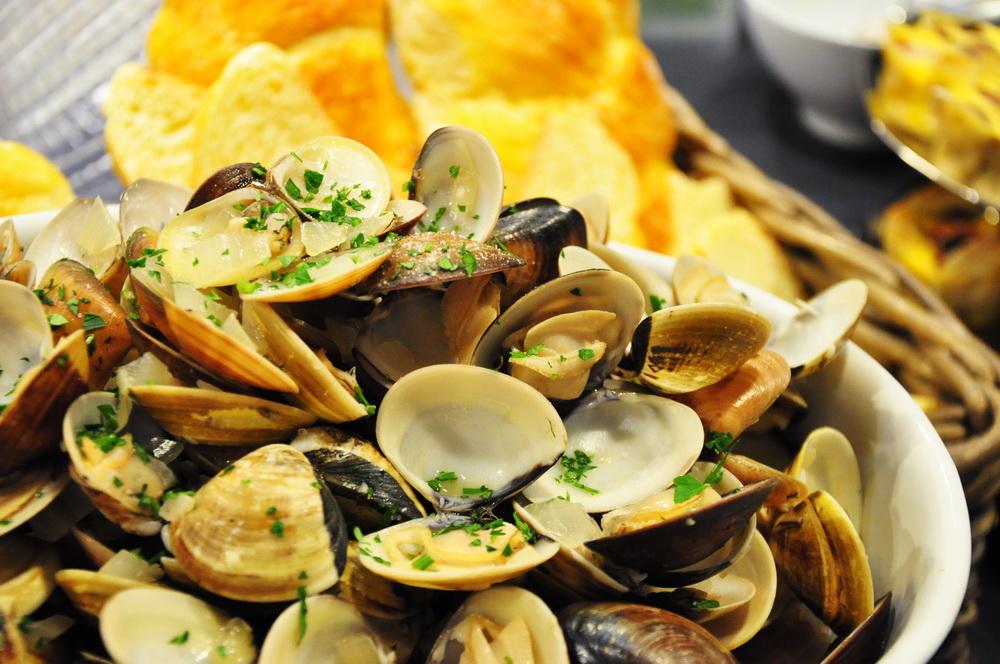 [淡菜白酒蚵蠣] White wine mussels and clams