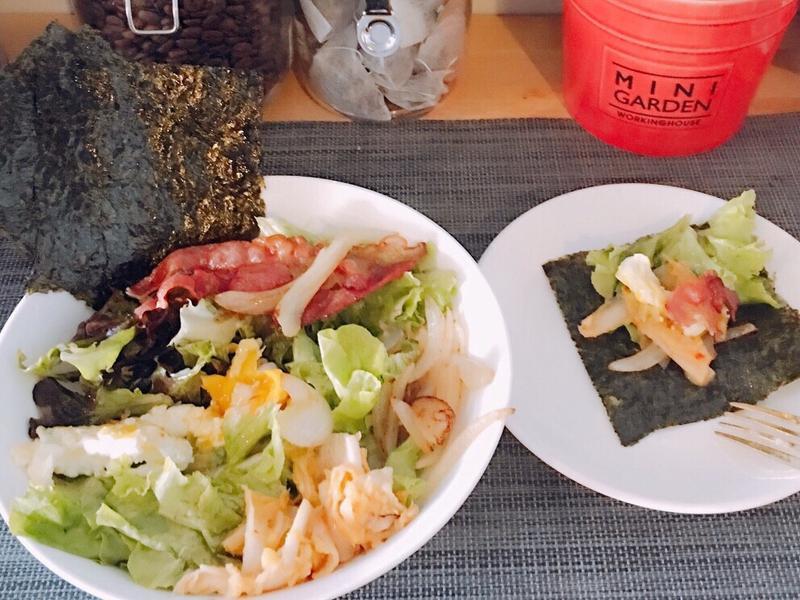 我的早午餐🍳蛋蛋培根包沙拉😁