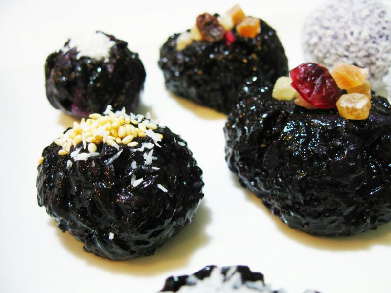 養生粗食~~紫米‧紫薯椰絲球