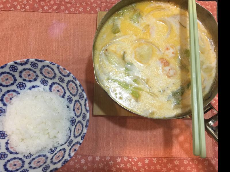 鮮蝦牛奶鍋