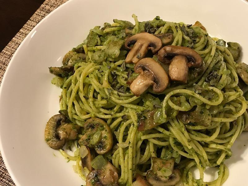 青醬蘑菇培根義大利麵