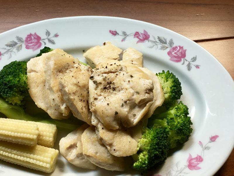香煎雞胸肉 (低脂多汁法)