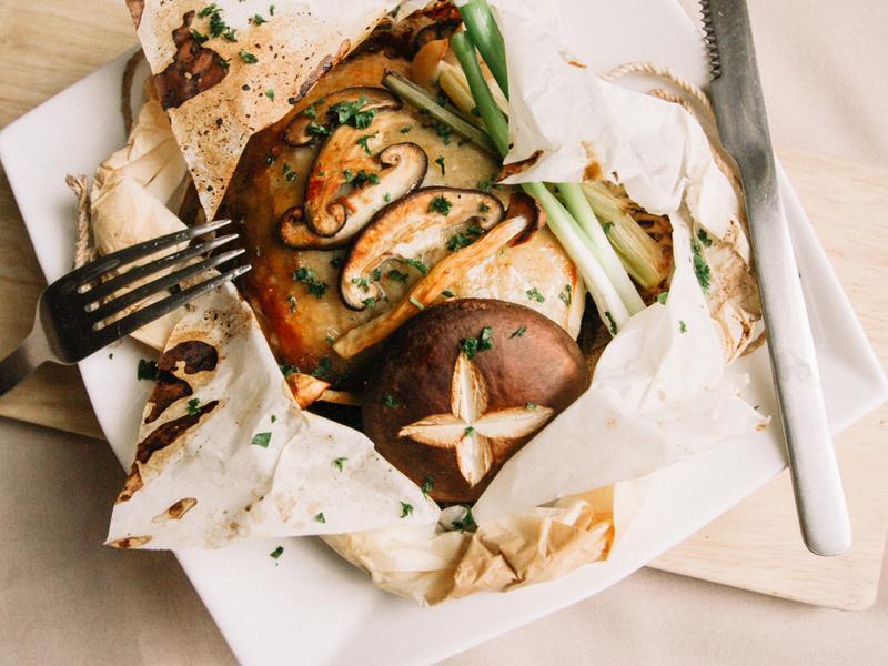 豐年農場・味噌鮮菇紙包雞
