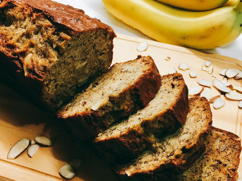 Banana bread香蕉杏仁蛋糕🍌