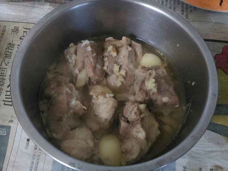 ¥ 蒜頭蒸雞肉 ¥