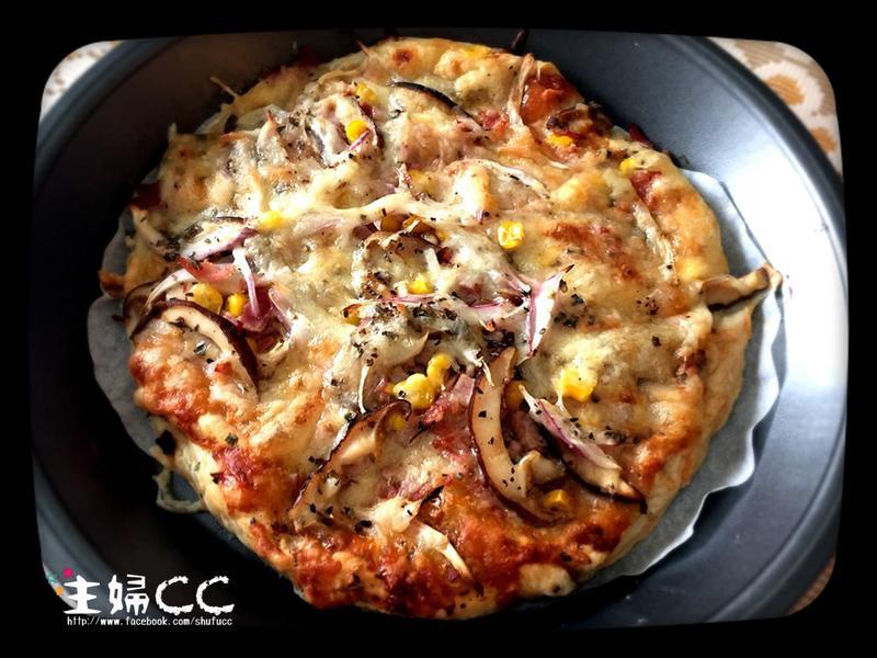 《烤箱幫幫忙》洋蔥培根鮮菇披薩(手抓餅)