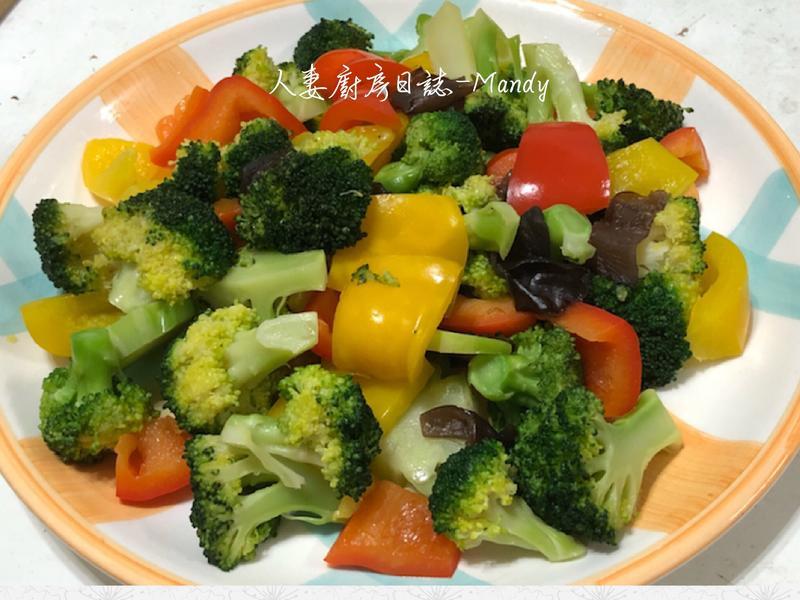 花椰菜佐甜椒【素食】