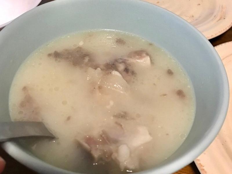 煲湯 - 濃白黃豆豬腳湯