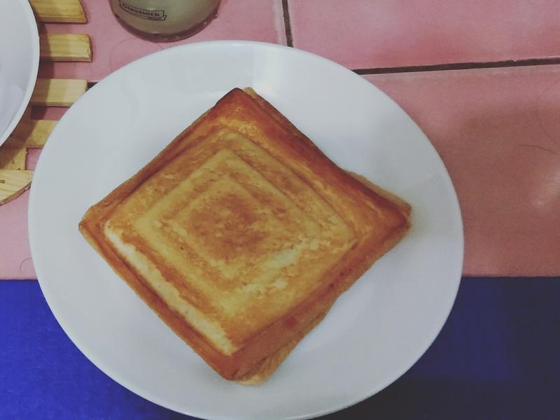 玉米鮪魚起司熱壓吐司