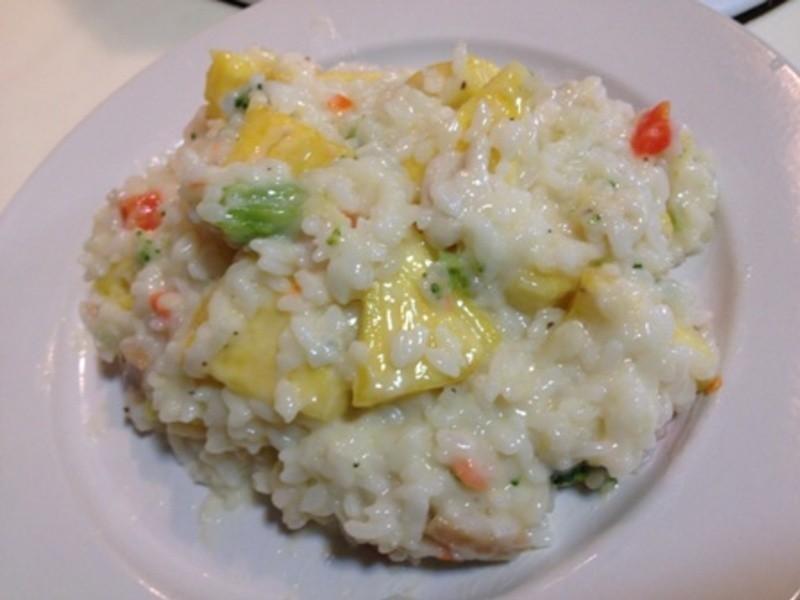 十分輕鬆料理DIY  鳳梨起司海鮮飯