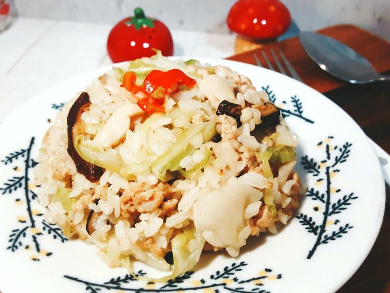 日式鮮肉香菇高麗菜飯
