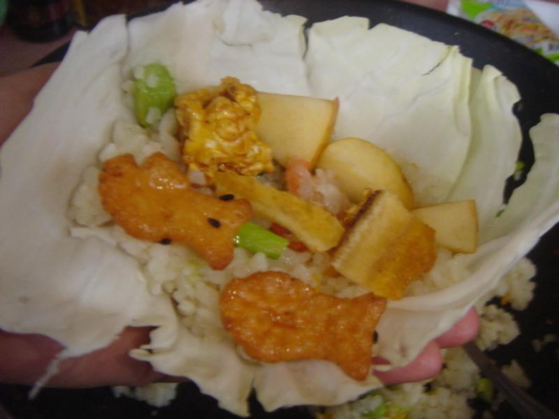 輕鬆生活蝦仁炒飯高麗菜包