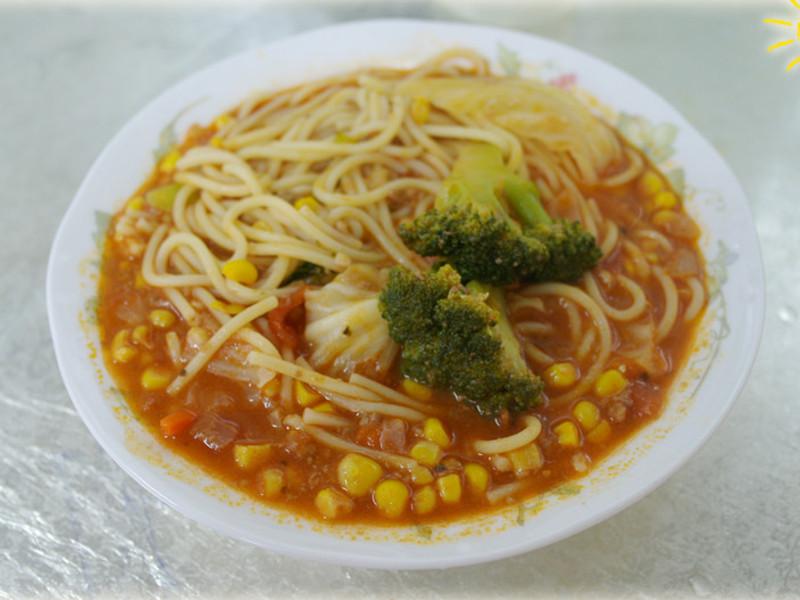 【十分輕鬆料理DIY】番茄肉醬黃金玉米義大利麵