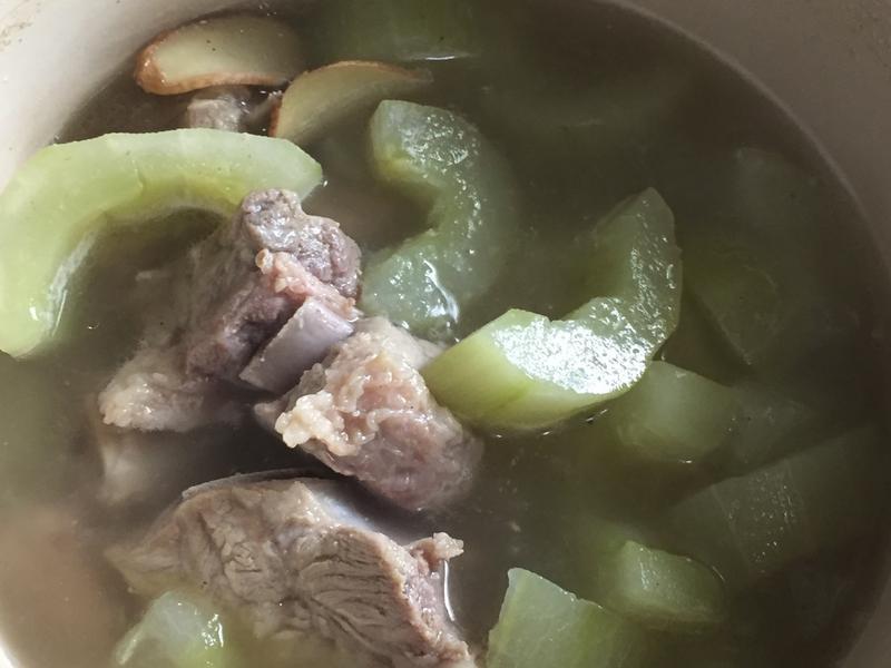 大黃瓜排骨湯