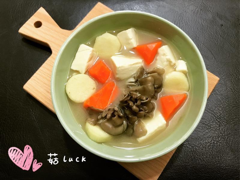時蔬舞菇豆腐味噌湯【好菇道好食光】