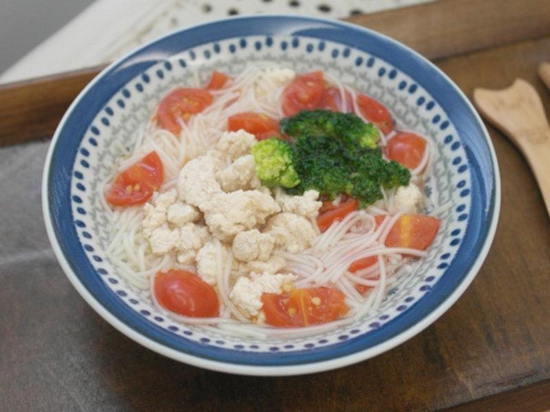 寶寶副食品「番茄雞肉麵」好開胃 ♪