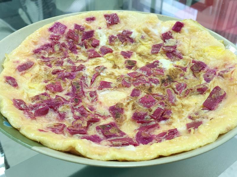 【有影片】用火龍果的皮做煎蛋