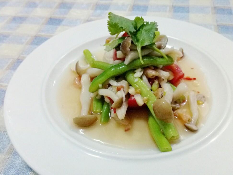 泰式涼拌菇菇