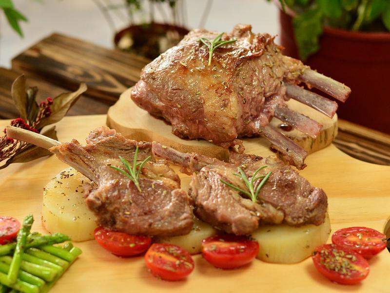 蒜烤羊排時蔬