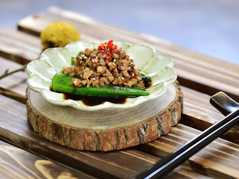 蒜味秋葵鑲肉醬