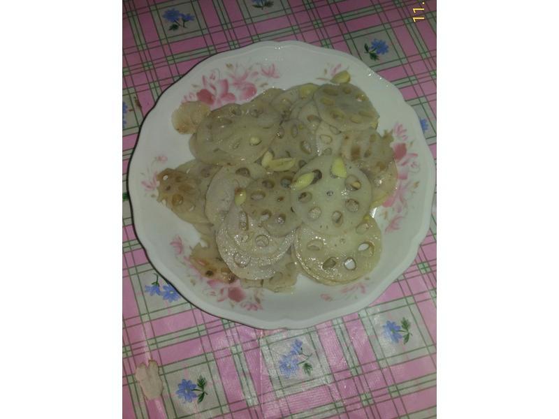 蒜炒蓮藕片