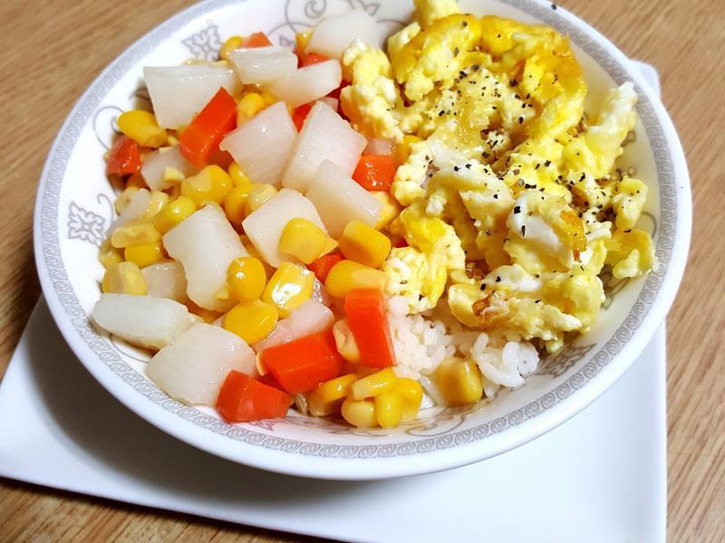 玉米蛋蓋飯(愛之味黃金萬穗陽光玉米粒)