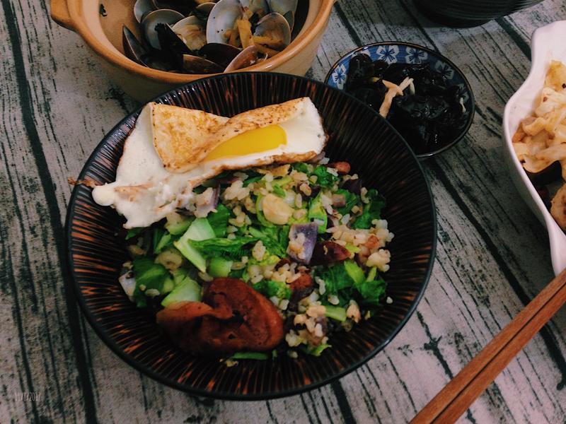 台式菜飯 - 香腸青江菜炒飯