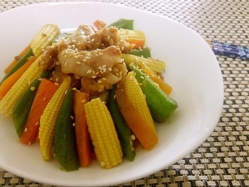 芝麻秋葵炒肉片