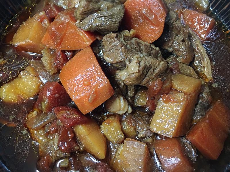 蕃茄燉牛肉(滷包)
