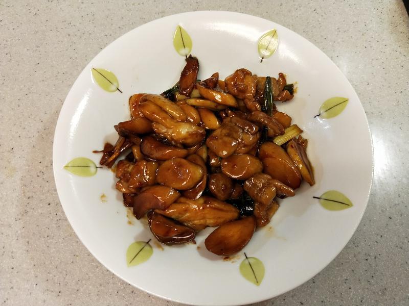 美味的三杯雞和杏鮑菇