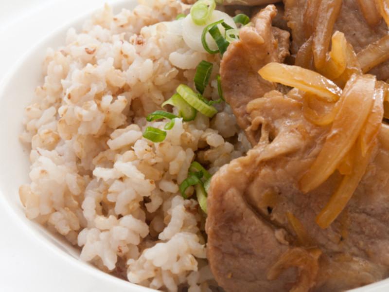 【吉刻美食】薑汁豬肉蓋飯