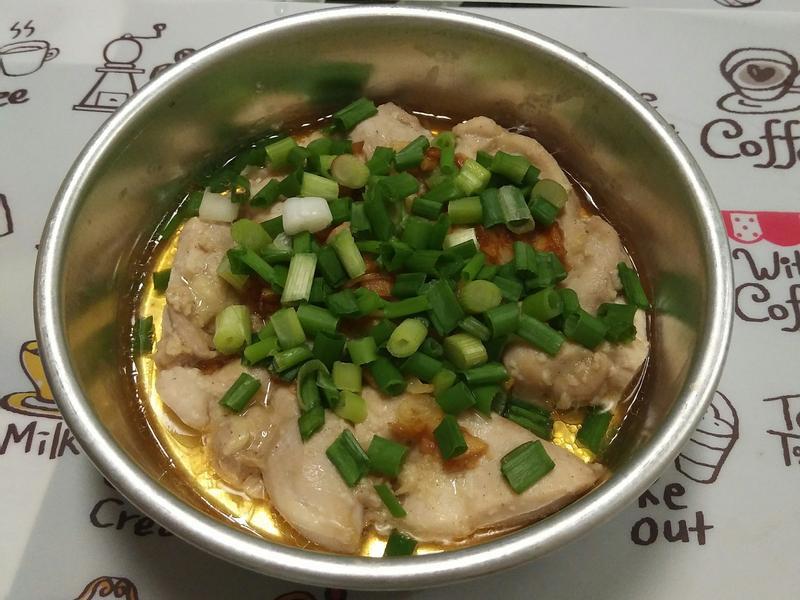 蒜蓉蒸鸡腿肉 (简单版)