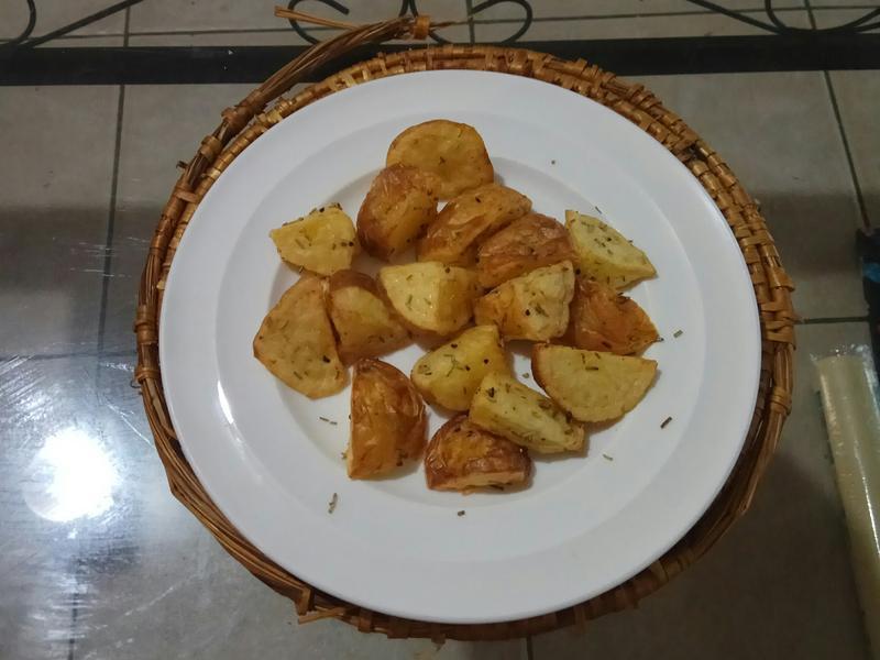 跟炸的一樣酥脆的奶油香烤馬鈴薯薯條