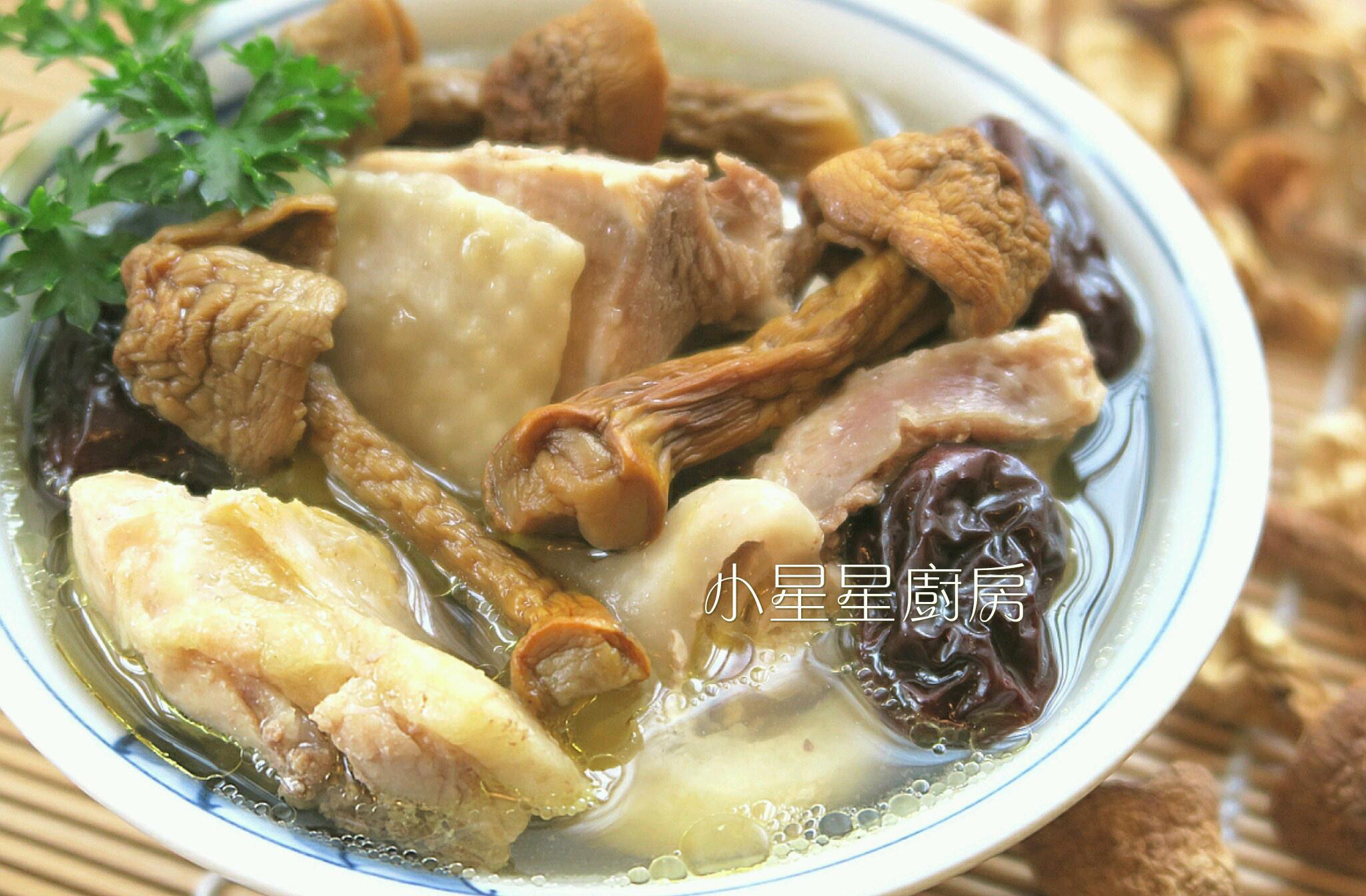 巴西蘑菇紅棗雞湯