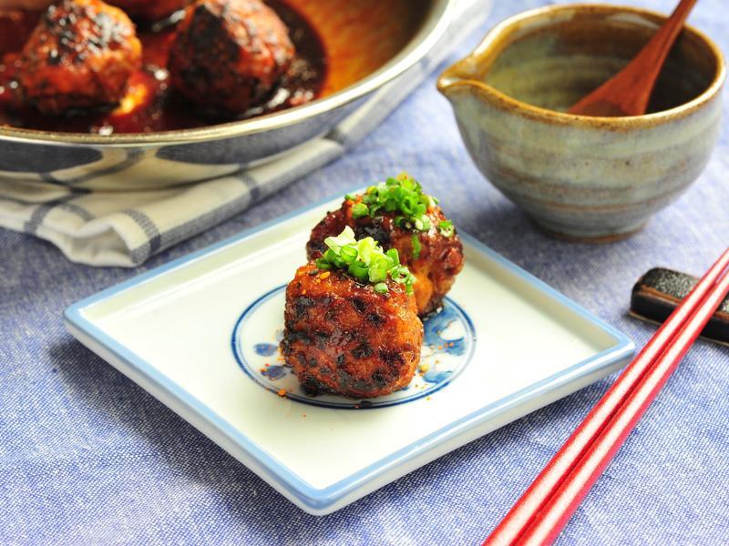 《一鍋到底,日式下酒菜》照燒手工雞肉丸