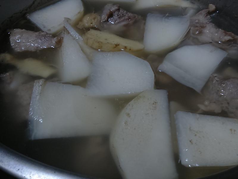 大頭菜龍骨湯