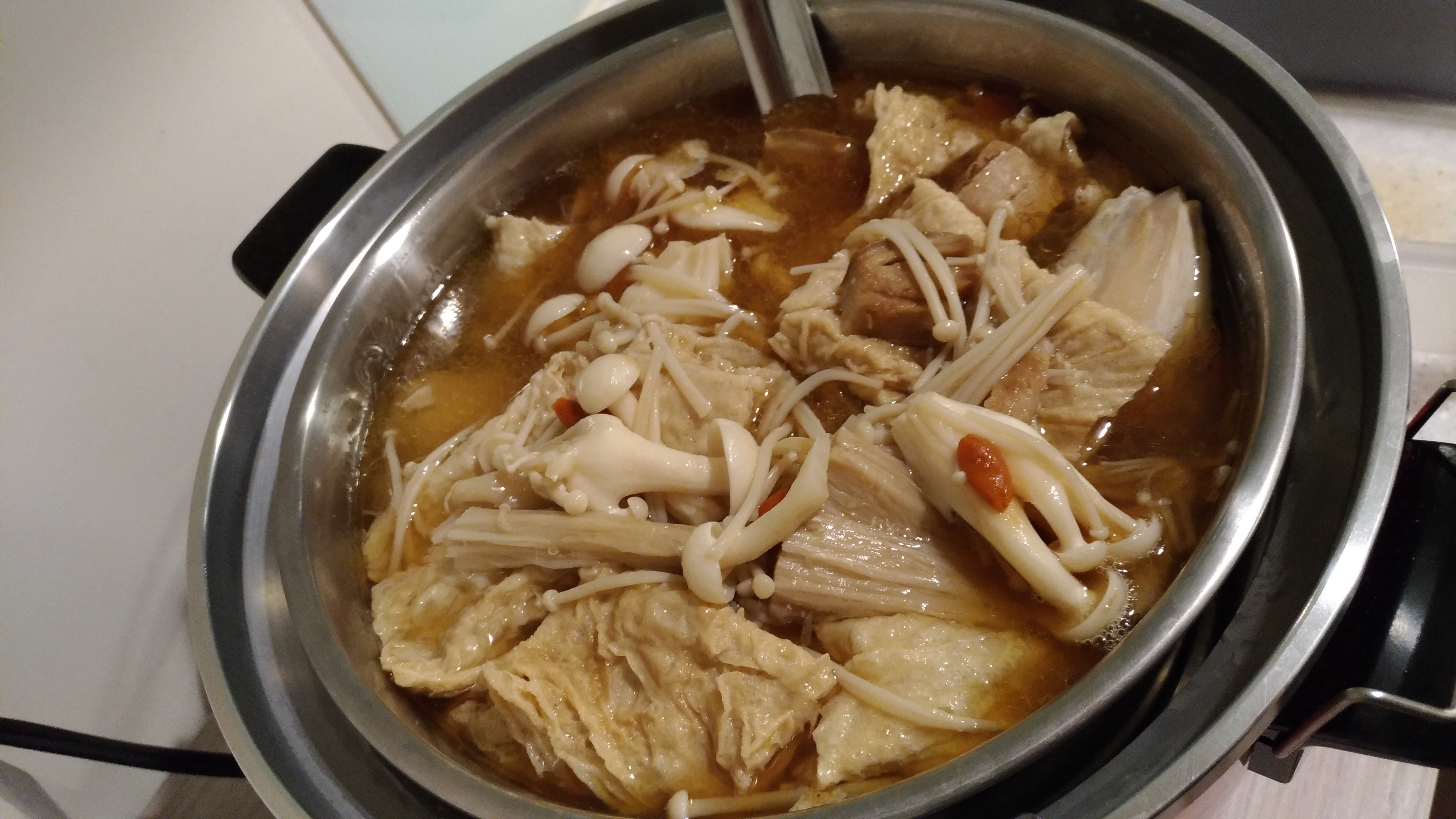 麻油百菇雞湯