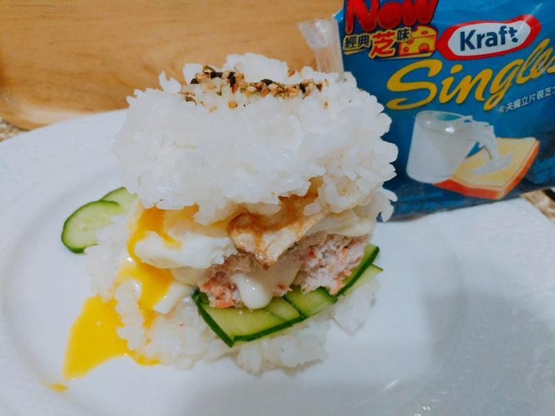 雙層起司雞肉米漢堡【卡夫起司片】