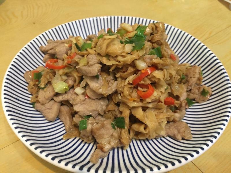 高麗菜乾炒肉絲(台糖安心豚)