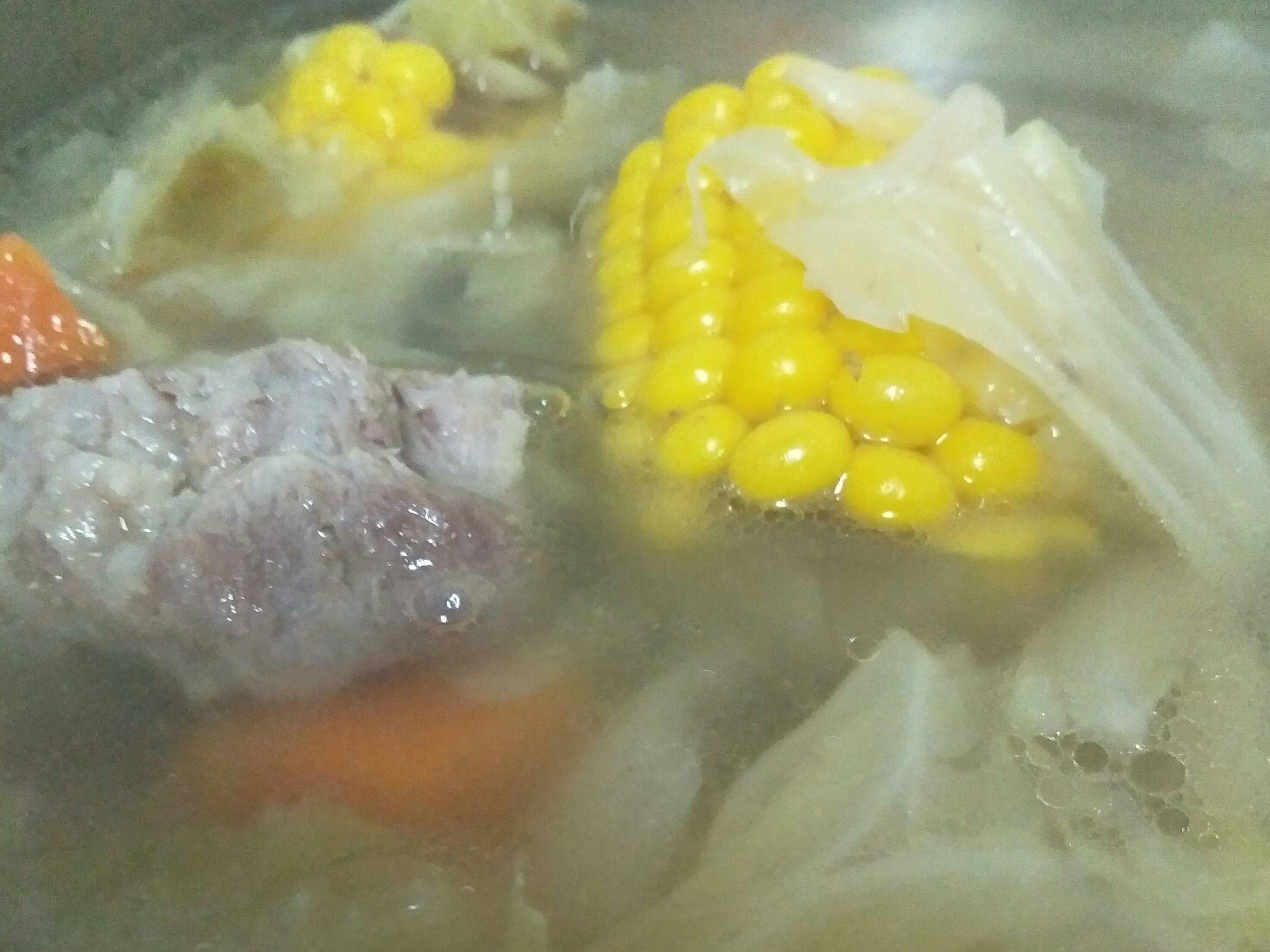 我家的排骨蔬菜高湯台糖安心豚 龍骨