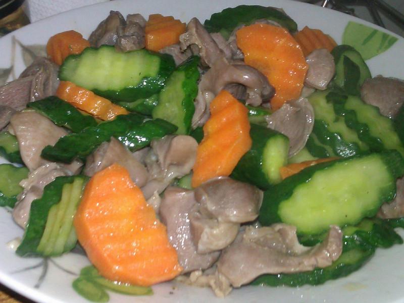 麻油雞胗炒小黃瓜